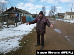 In the village of Nesterovo in the Tver region, Vladimir (who preferred not to give his last name) bemoans the collapse of the countryside economy.