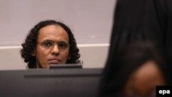 Исламистский боевик Ахмад аль-Махди в Международном уголовном суде в Гааге.