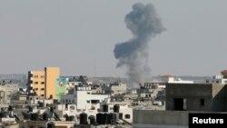Дим після ізраїльського обстрілу Гази, серпень 2014 року (ілюстраційне фото)