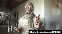Боєць Валерій показує, чим ЗСУ відповідають бойовикам