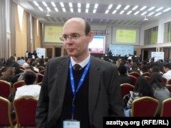 Германский журналист Мирослав Рончак. Шымкент, 24 октября 2014 года.