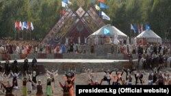 Церемония открытия III Всемирных игр кочевников на джайлоо Кырчын.