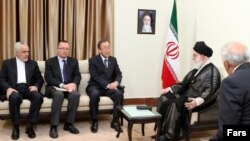 Jeff Feltman, the UN Under Secretary for Political Affairs (second from left), UN Secretary-General Ban Ki-moon (center), and Supreme Leader Ayatollah Ali Khamenei (second from right) meet in Tehran on August 29.