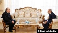 Армен Саркисян и Никол Пашинян (архивная фотография)