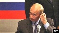 «Различные сценарии передачи власти не предполагают замену Путина другим сильным президентом»