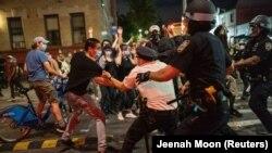 Sukob policije i demonstranata u Bruklinu 30. maja