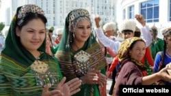 Türkmen gelinleri