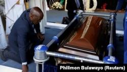 Sahrana Roberta Mugabea u Kutami