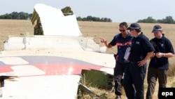 Експерти вивчають уламки літака рейсу MH17. Архівне фото