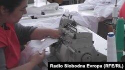 Работничка во текстилна фабрика