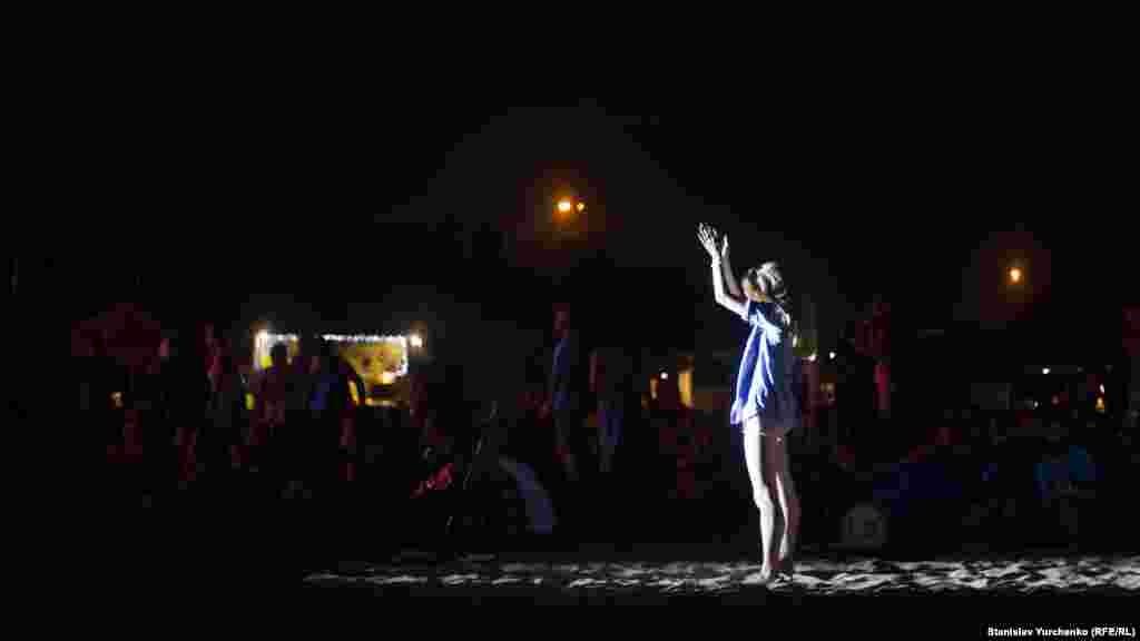 Наступний рік для Koktebel Jazz Festival стане ювілейним – він пройде у 15-й раз. Шанувальники фестивалю хочуть провести його на батьківщині заходу, але за умови, що Крим повернеться в Україну
