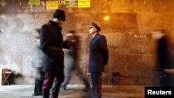 Кейинги пайтларда Москвада казаклар дуржиналари полиция билан биргаликда патрул хизматига чиқаётганини кўриш мумкин.