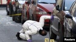 Hetuesit në kërkim të gjurmëve për autorët e sulmit afër Ambasadës së Indonezisë në Paris