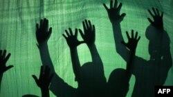 Фото на тему рабства.