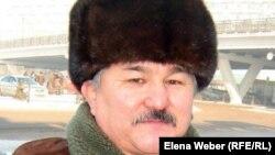 """Абильда Абдикаримов, председатель НПО """"Единство"""", отстаивающий права шахтеров-инвалидов в суде."""