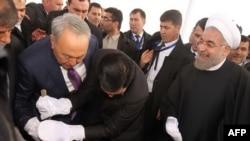 Казак, түркмөн, иран президенттери темир жолду ачуу салтанаты учурунда. 3-декабрь, 2014-жыл