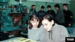 В некоторых учебных заведениях по всей России существует практика принуждения будущих студентов делать «взносы» под угрозой незачисления