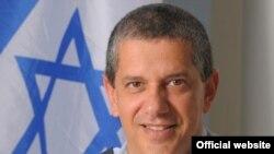 ژنرال امير ايشيل روز يکشنبه از سوی اهود باراک، وزير دفاع اسرائيل، به عنوان فرمانده جديد نيروی هوايی اين کشور منصوب شد