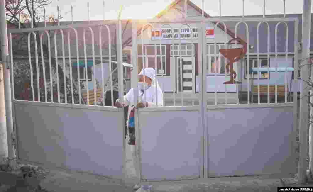 На сегодня в Баткенской областной больнице находится один пациент, заболевший коронавирусом.