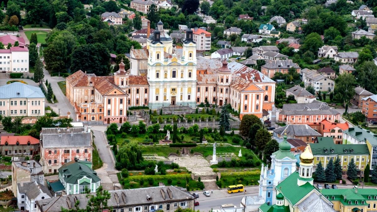 Куда поехать после карантина: 12 туристических мест Украины