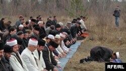 Соборна мечеть Джума-джамі мала б постати на цьому місці на околиці Сімферополя, фото 2008 року