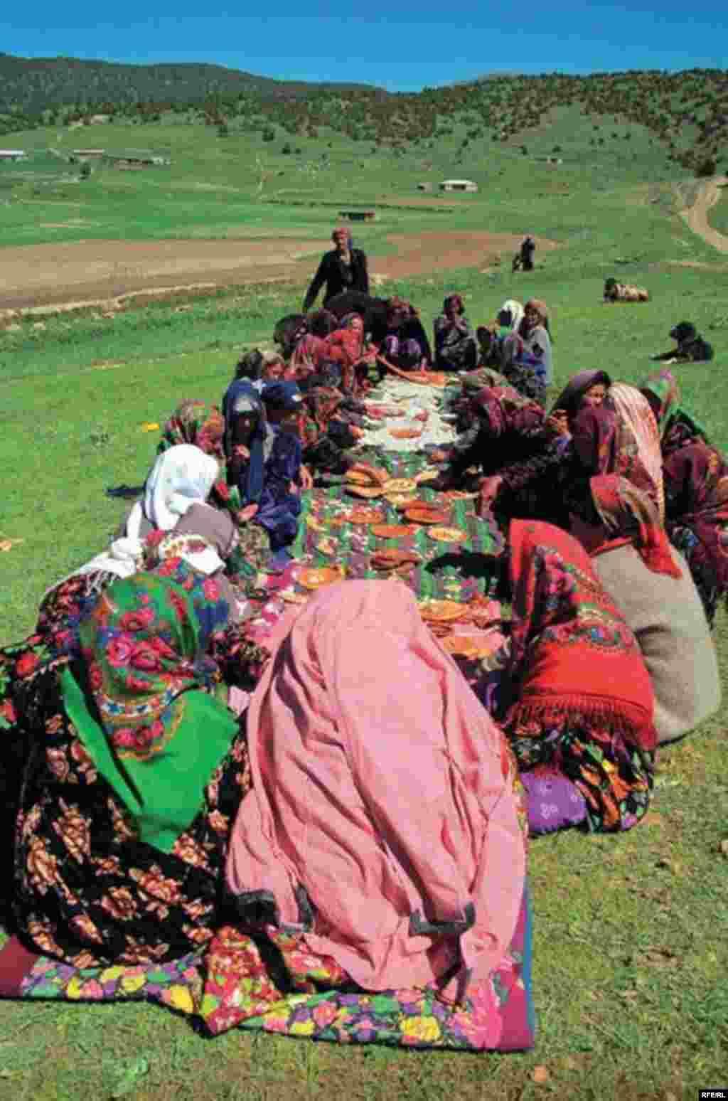 Uzbek Women Today #29