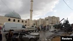 В районе авиаударов в сирийском городе Идлиб, удерживаемом повстанцами. 27 мая 2016 года.