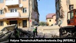Вночі 28 серпня в Дрогобичі обвалилася частина чотириповерхового будинку