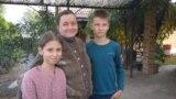 Шматдзетная маці з Гомля Натальля Сьняжкова, у якой арыштавалі мужа і забралі дзяцей. Ілюстрацыйнае фота.