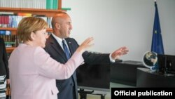 Pamje gjatë takimit të kryeministrit të Kosovës, Ramush Haradinaj, me kancelaren gjermane, Angela Merkel.
