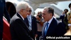 Президент Италии Серджио Маттарелла (слева) и министр иностранных дел Армении Зограб Мнацаканян, Ереван, 30 июля 2018 г.