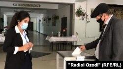 بیش از ۷۰ درصد واجدان رایدهی تاجیکستان در انتخابات ریاست جمهوری این کشور شرکت کردند