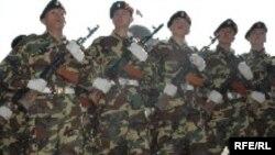 23-февраль Кыргызстанда мекен коргоочулардын күнү болуп майрамдалат