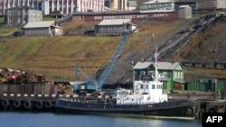 Helikopteri i zhdukur ishte nisur për në Barentsburg, në Arktik