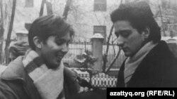 Актер и телеведущий Сергей Погосян (справа), 1990 год.