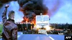 اعتصاب در صنایع سوختی فرانسه این کشور را با بحران سوخت مواجه کرده است.