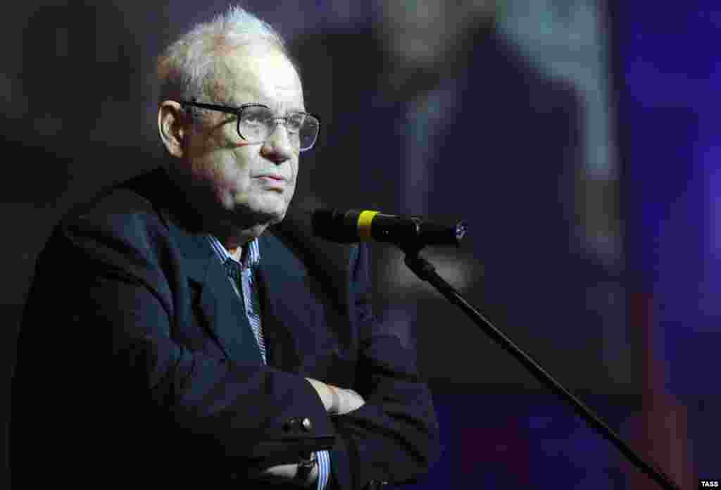 Ryazanov appears at the 80th birthday celebration of filmmaker Georgy Danelia in 2010.