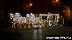 Новогодняя инсталляция в Севастополе