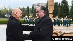 Президент Афганистана Ашраф Гани и глава Таджикистана Эмомали Рахмон, Душанбе, 29 марта 2021 года