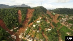Brazil -- An aerial view of the Calema neighborhood shows the traces of the landslides in Teresopolis, 12Jan2011