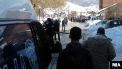 Полицијата на местото на убиството во Гостивар
