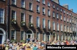 North Great George küçəsində parti, Dublin, 16 iyun 2004