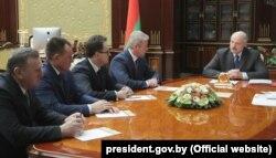 Аляксандар Лукашэнка прызначыў амбасадараў і памочнікаў