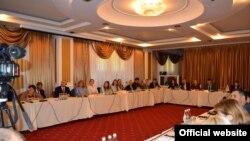 La dezbaterea de la IDIS Viitorul despre mediul de afaceri și corupția în Moldova