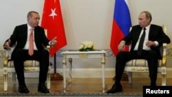Türkiýäniň prezidenti Rejep Taýýyp Erdogan we Orsýetiň prezidenti Wladimir Putin. 9-njy awgust, 2016 ý. Sank-Peterburg.