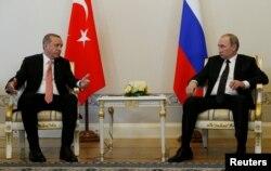 Первая встреча Владимира Путина и Реджепа Эрдогана после начала кризиса. Москва, 9 августа 2016 года