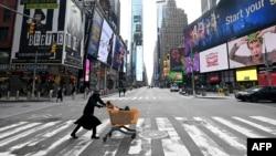 Таймс-сквер в Нью-Йорке, 17 марта 2020
