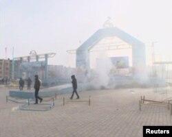 Жаңаөзендегі Тәуелсіздік алаңы. 16 желтоқсан 2011 жыл. (Reuters видоесынан скриншот.)