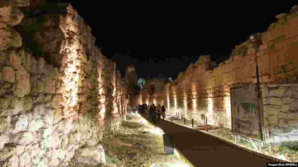 Серед стін Старого міста