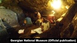 არქეოლოგიური გათხრები წყალტუბოს მუნიციპალიტეტში მდებარე მღვიმეში